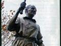 statues_bradmandon